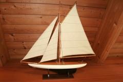Segelboot im Ferienhaus
